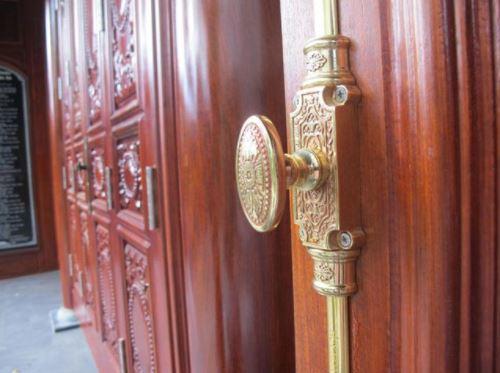 Khóa cửa gỗ cổ điển cao cấp giá tốt