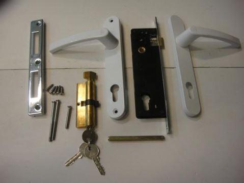 Đặc điểm cấu tạo của khóa cửa gạt tay inox