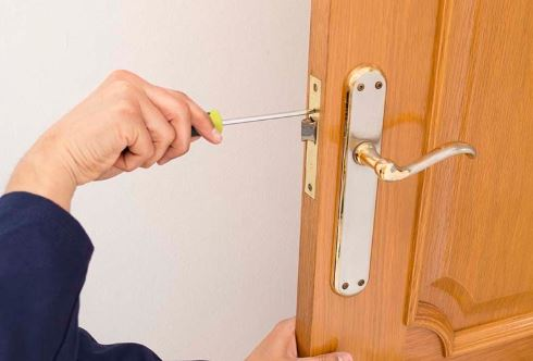 Hướng dẫn bảo dưỡng cho cửa và khóa cửa